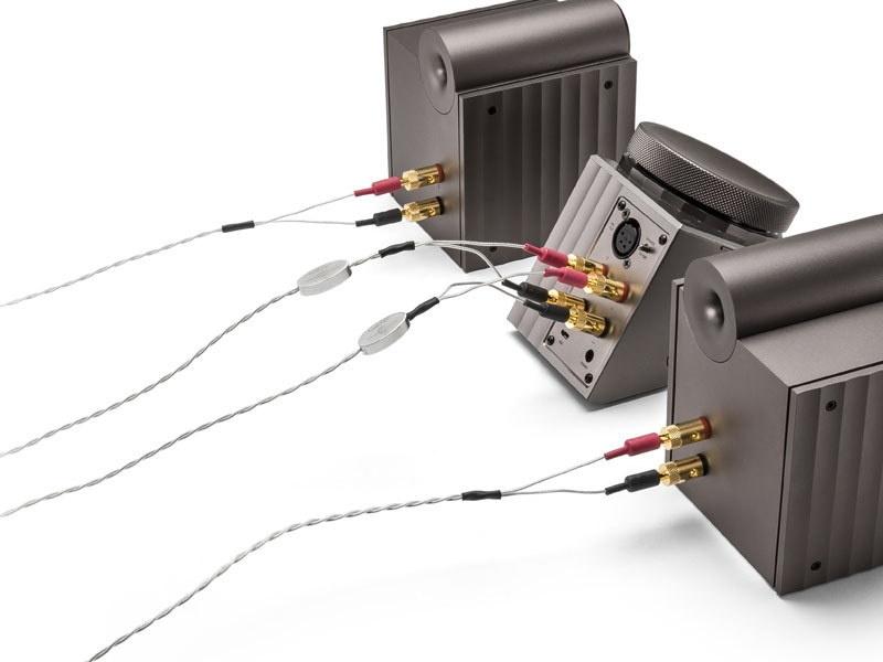 Astell & Kern hợp tác cùng Crystal Cable ra mắt dòng dây loa mới