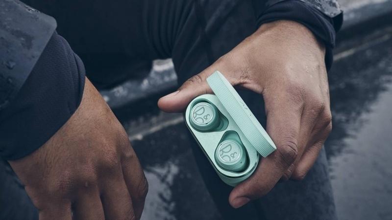 B&O ra mắt phiên bản thể thao của tai nghe true-wirelesss Beoplay E8