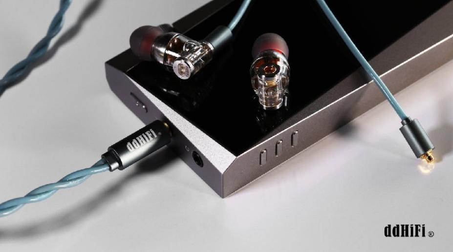 DDHiFi giới thiệu tai nghe DDHiFi Janus mới có 2 đầu kết nối