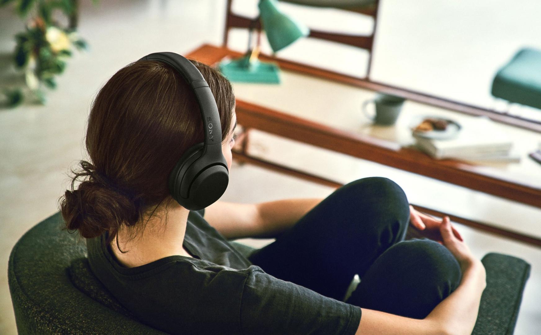 Sony WH-XB900N - tai nghe chống ồn giá rẻ vừa được Sony âm thầm ra mắt, có trợ lý ảo, USB-C, pin 30h
