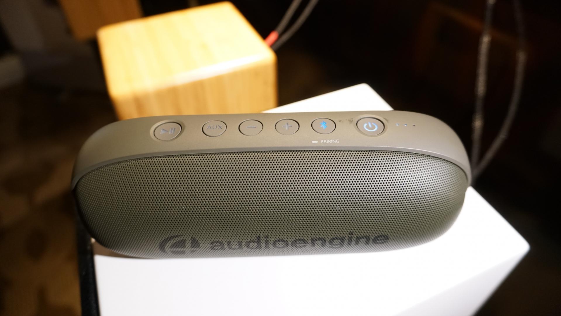 Trên tay Audioengine 512 - loa di động nhỏ gọn đầu tiên của hãng