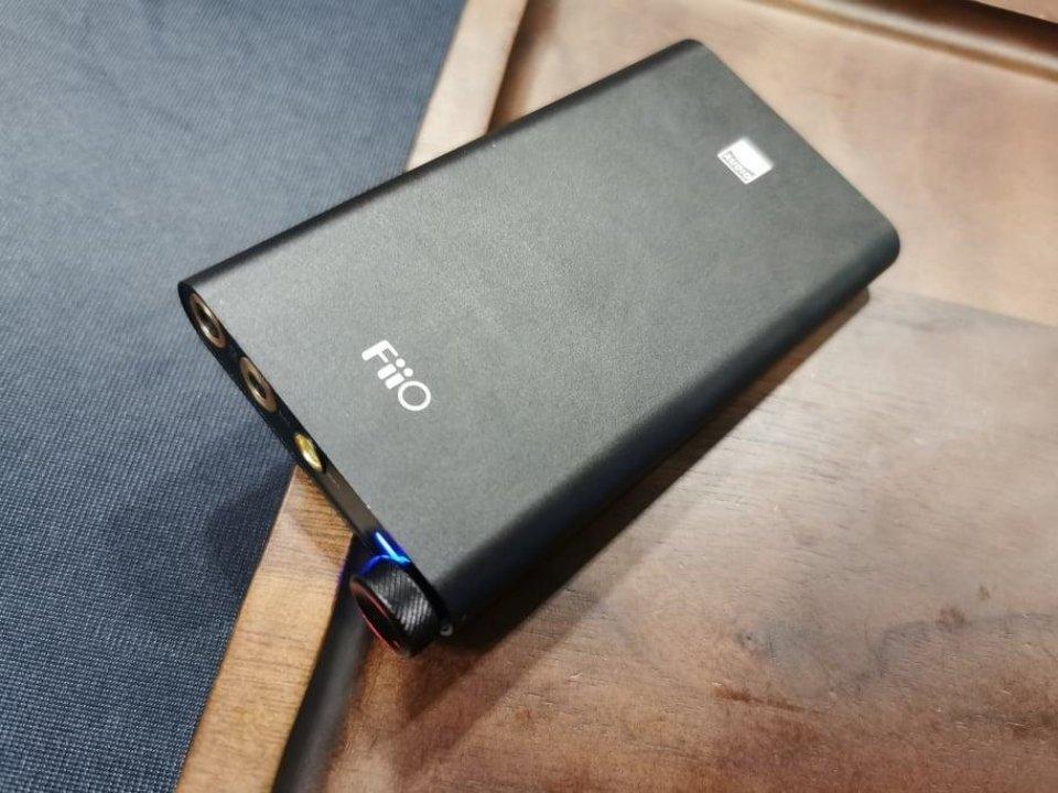 DAC/Amp Fiio Q3: Bản Nâng Cấp của Fiio Q1 Mark 2