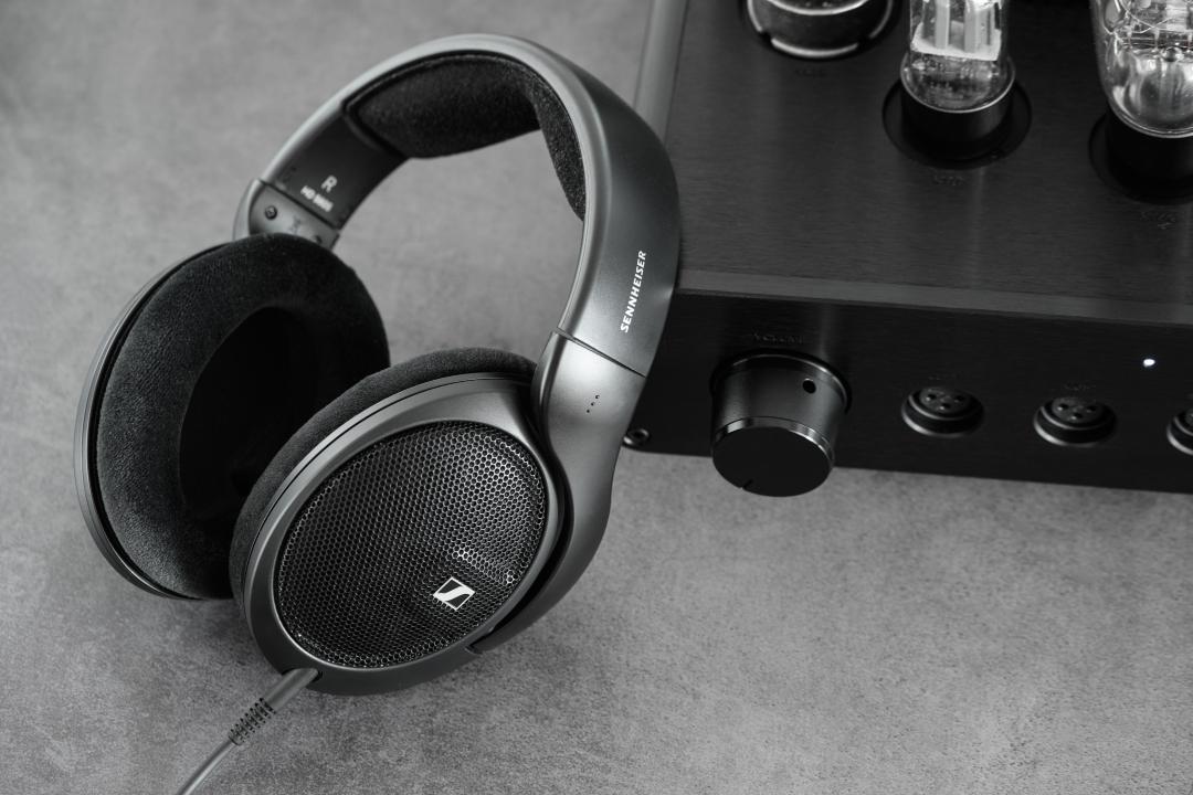 HD 560S : Sennheiser bổ sung thành viên mới cho đại gia đình tai nghe audiophile