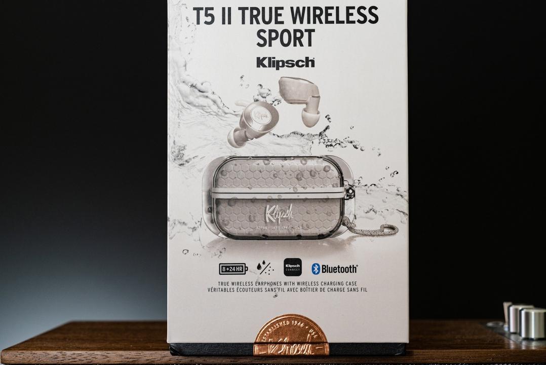 Klipsch T5 II True Wireless: Vẫn giữ lại ưu điểm Dock sạc