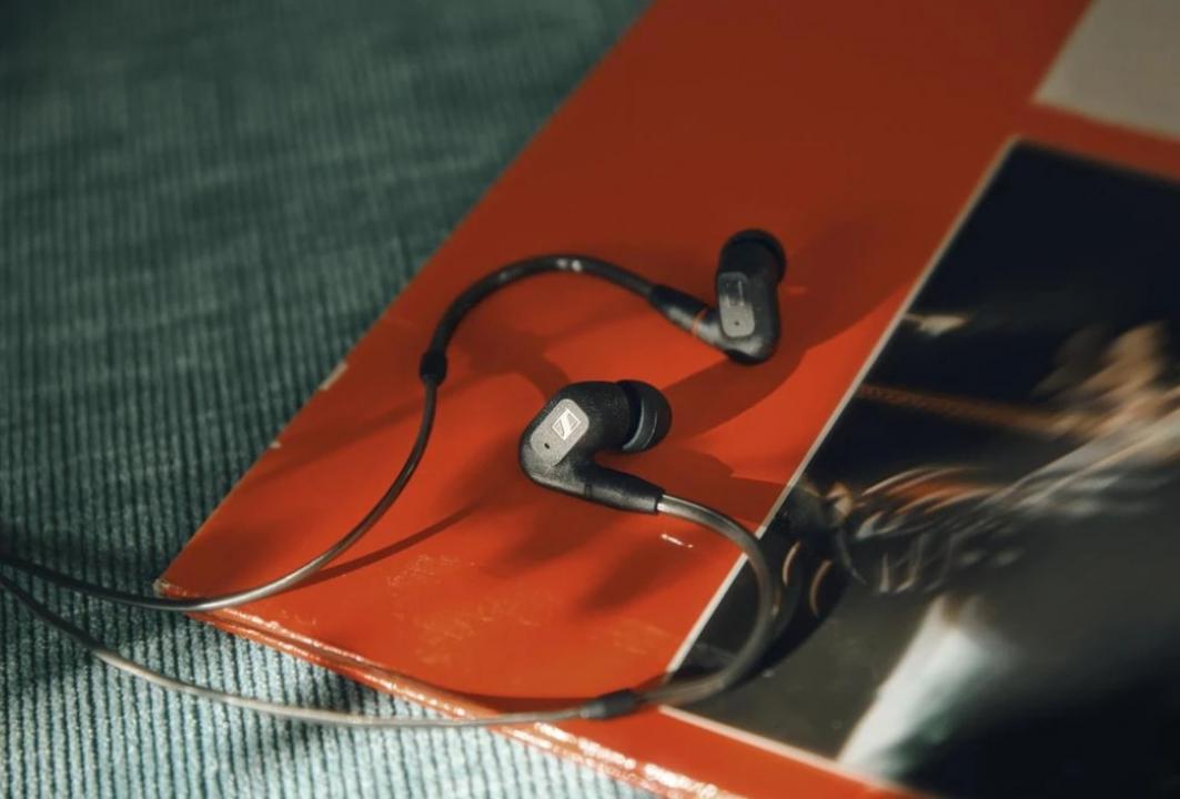 Tai nghe in-ear IE 300 mới của Sennheiser được thiết kế để mang lại trải nghiệm nghe nhạc có độ trung thực cao